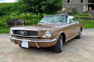 Ford Mustang von vorne